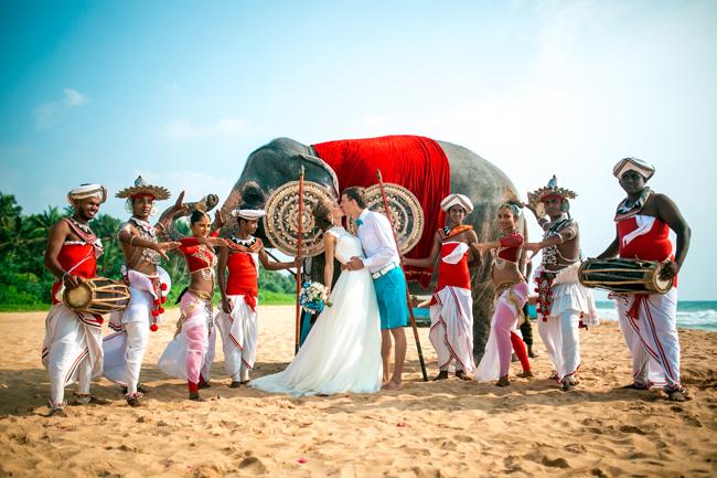 ланкийские танцоры и барабанщики